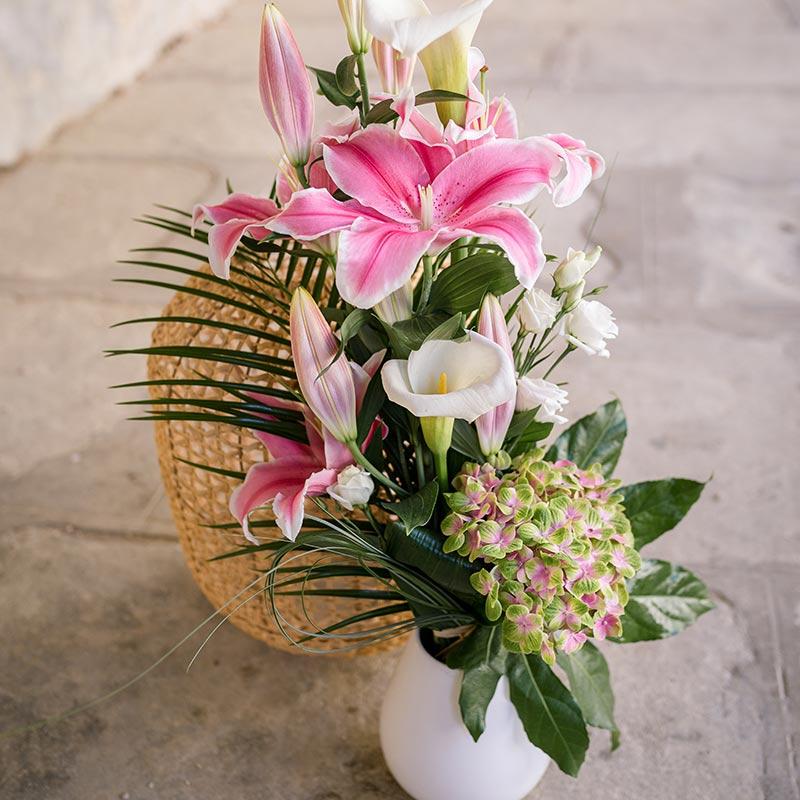 Bouquet magnifique rose BOUQUET CHIC DE FLEURS ROSES ET BLANCHES DE SAISON