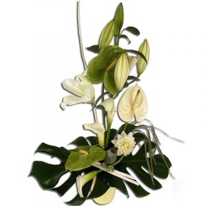 Innocence Composition florale blanche et verte avec lys blanc