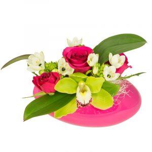 Nuage de tendresse Composition de fleurs dans une coupe en céramique orchidée