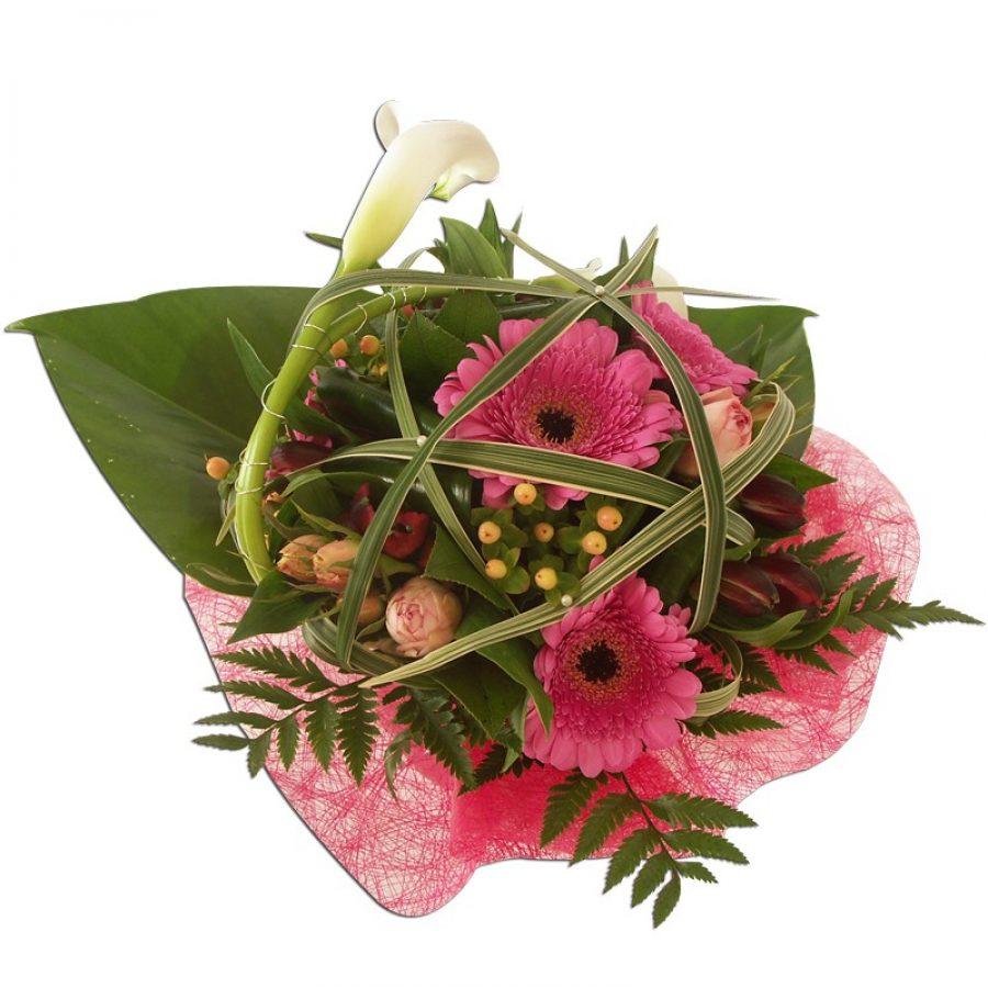 Bouquet pastel d'arums et germinis Bouquet rond composé d'arums