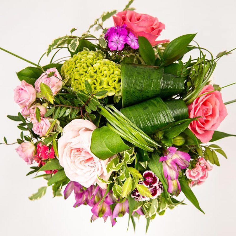 Bouquets aux tons pastels BOUQUET ROND MELANGEANT DE BELLES NOTES CONTRASTEES ROSE